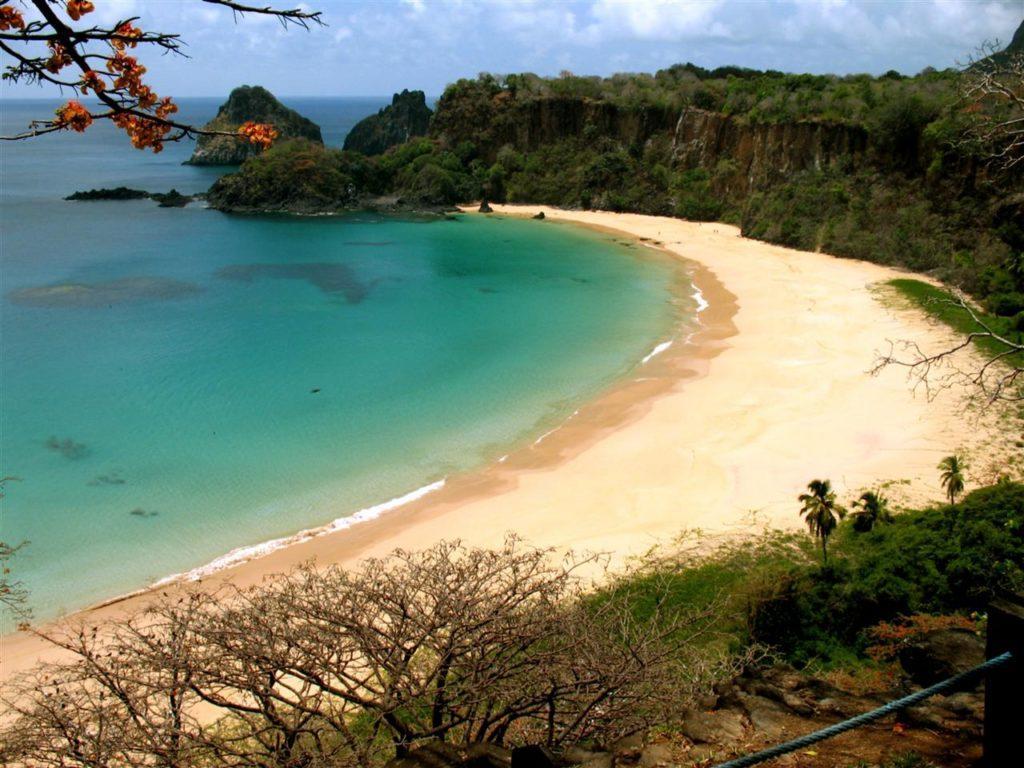 пляж Baia do Sancho